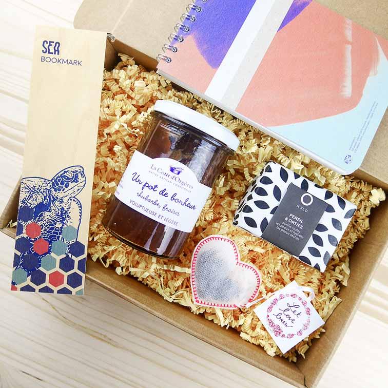 ... de belles box à offrir ! Idée cadeau femme. cadeau personnalisé femme 33dd6b087fb